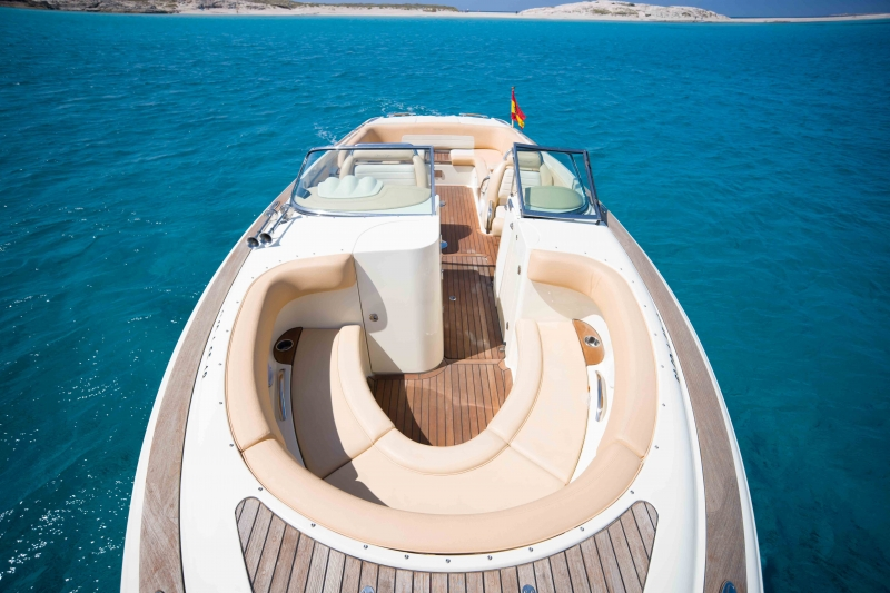 CHRIS CRAFT 28 007 | Unconventional Ibiza